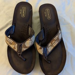 Authentic Coach flipflops